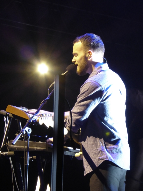 Asgeir on keys