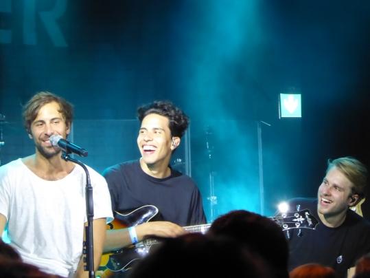 Max, sein neuer Bassist und Lars